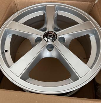 4x Diewe Wheels, Trina, 7x16 ET38 5x105 56,6 Argento (silber)